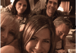 Jennifer Aniston finally joins Instagram Sharing the first photo 2