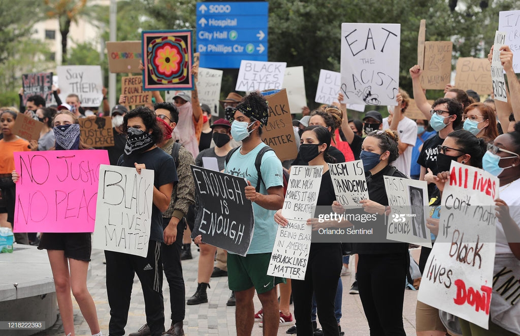 Protesters in front of Orlando City Hall