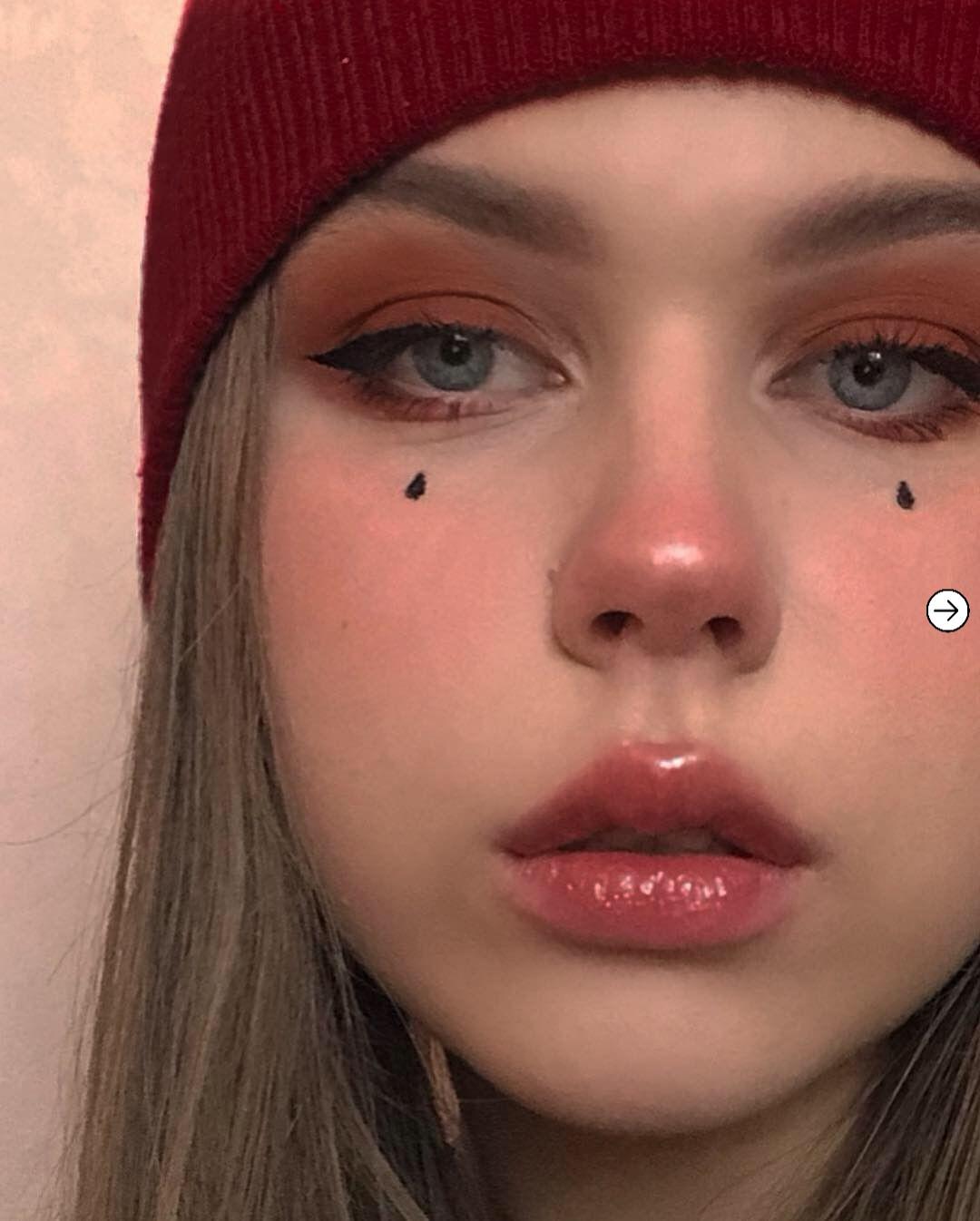 10 Egirl makeup inspiration that are trending right now 7